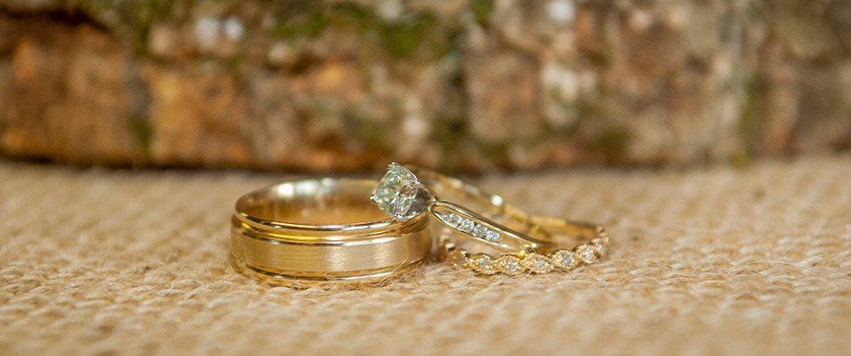 yellow gold wedding rings