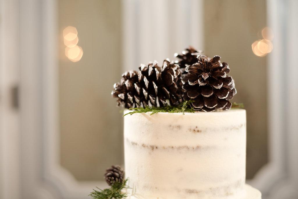 Winter Wedding Cake Pinecone Topper